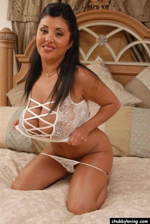 Big tits chubby latina
