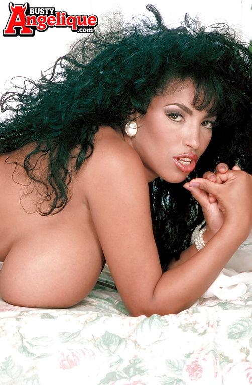 Stocking clad Latina pornstar Busty Angelique bari