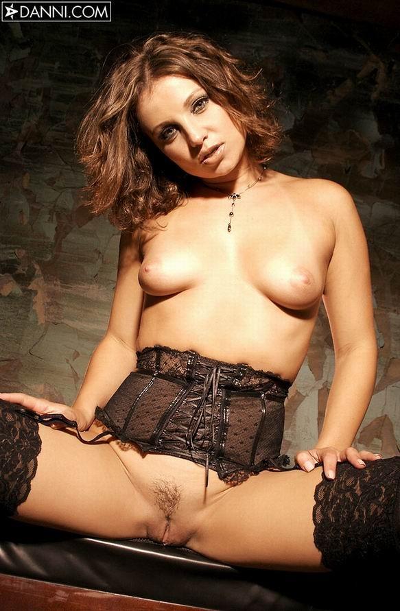 Nikita Lea  nackt