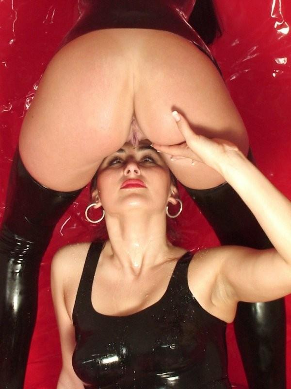 Hot Girls Big Tits Lesbian