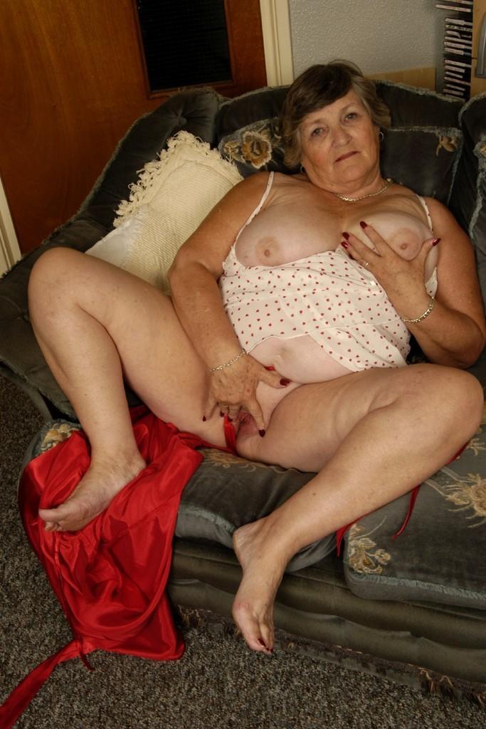 Naked mature ass