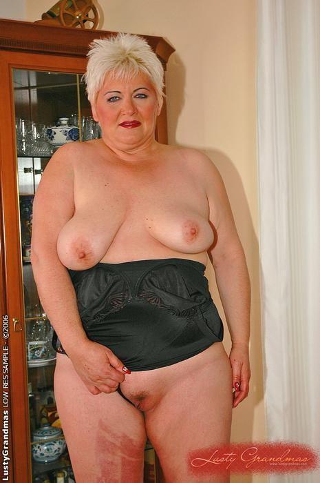 Hot white booty moms naked
