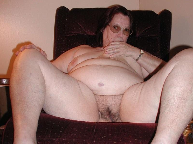 Cfnm hairy wet fannies nudity