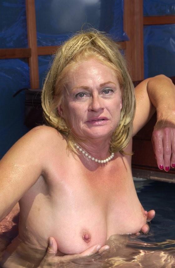 naked women getting facial
