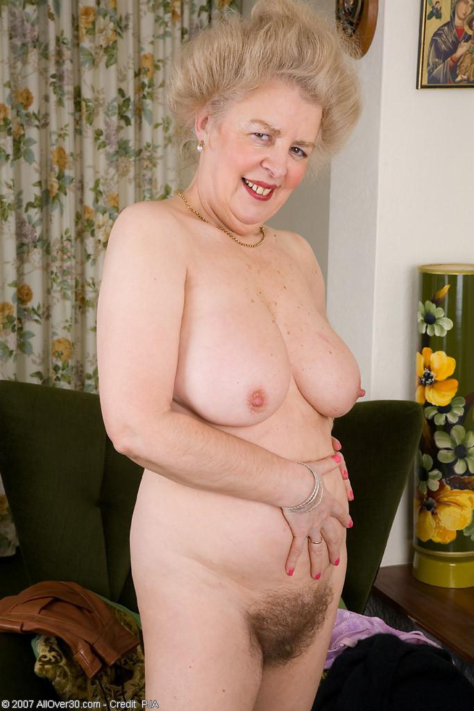 busty momma