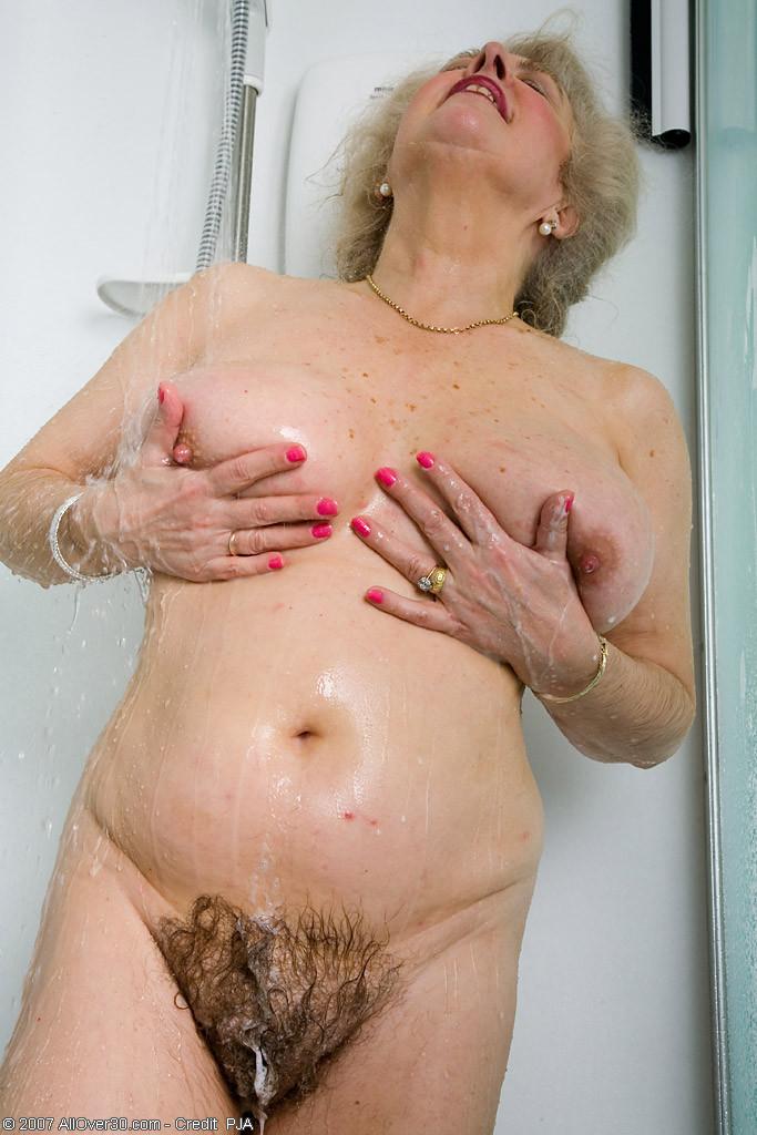 Very hairy granny pussy pics
