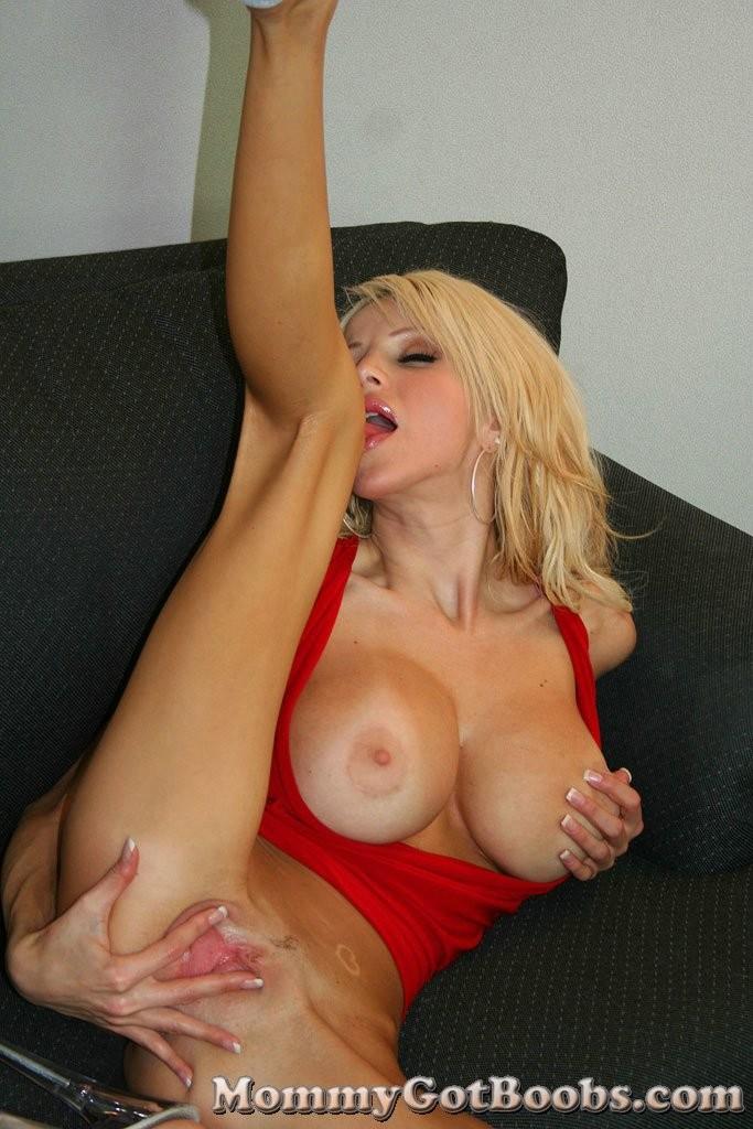 mommy got boobs danielle derek