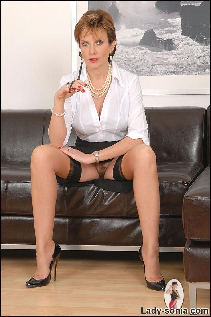 Amateur Mature Submissive Wife