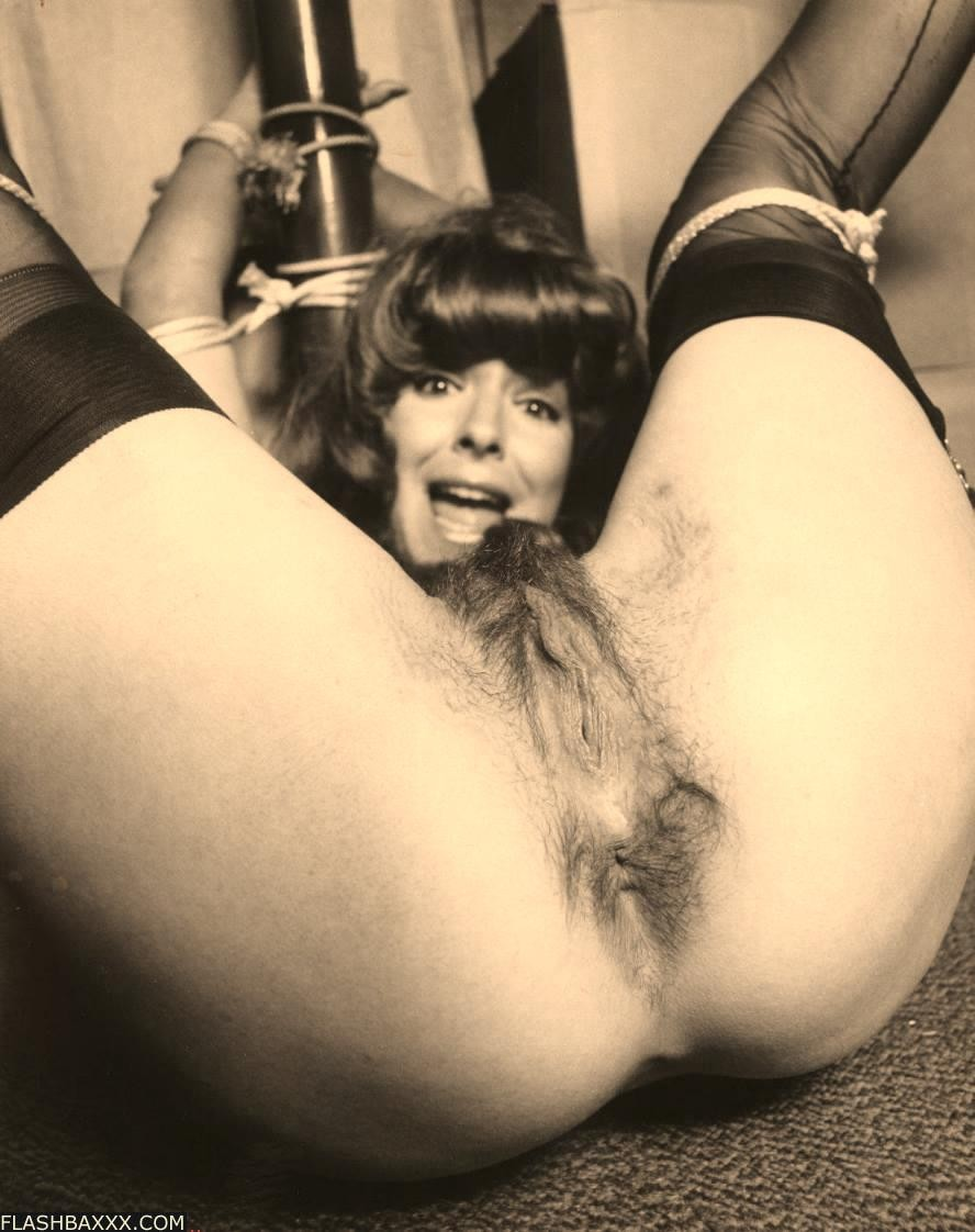 Bdsm Vintage Porn nasty retro babes in hard bondage - pichunter