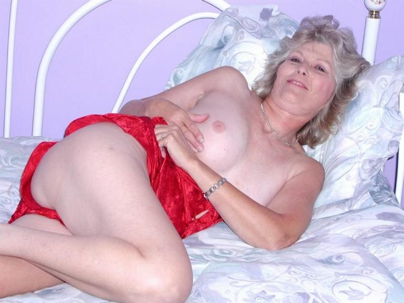 Older Woman Mature Masturbate