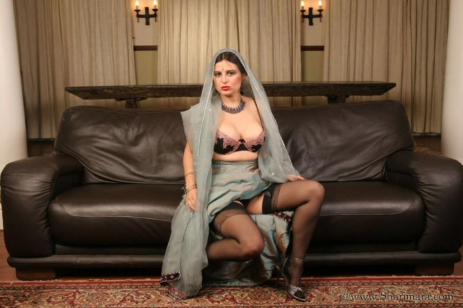 Indian wife long nipples playing gif