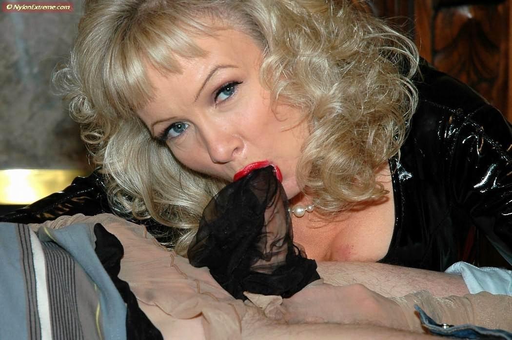 Sue nylon Nylon stocking,