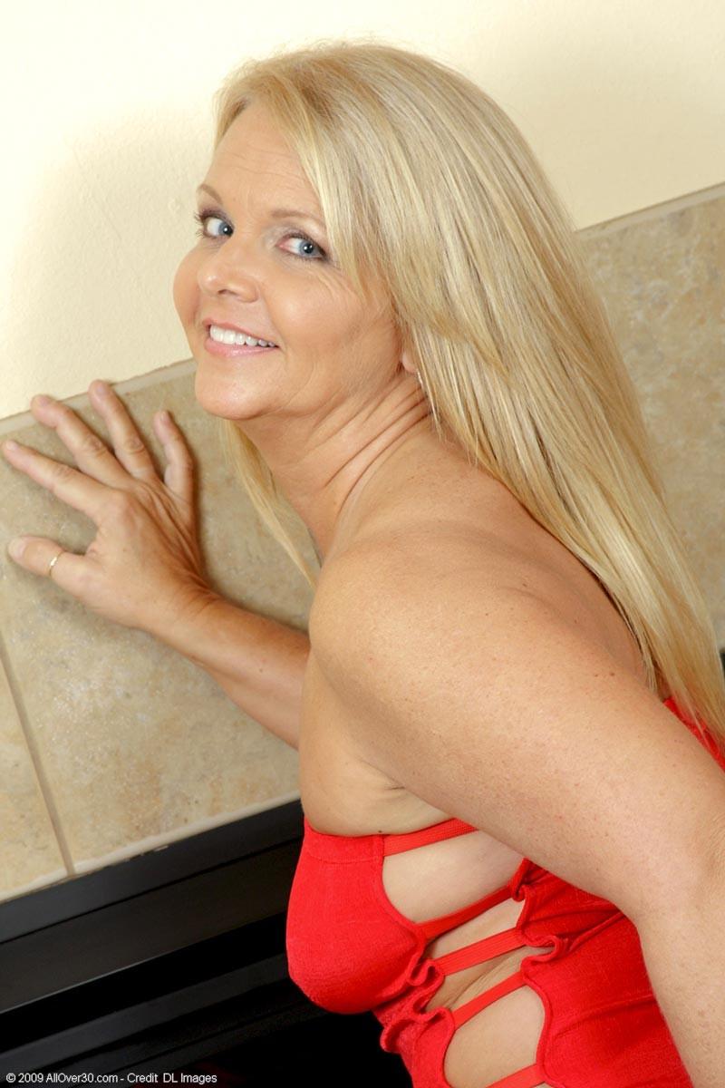 Hot Blonde Takes Huge Load