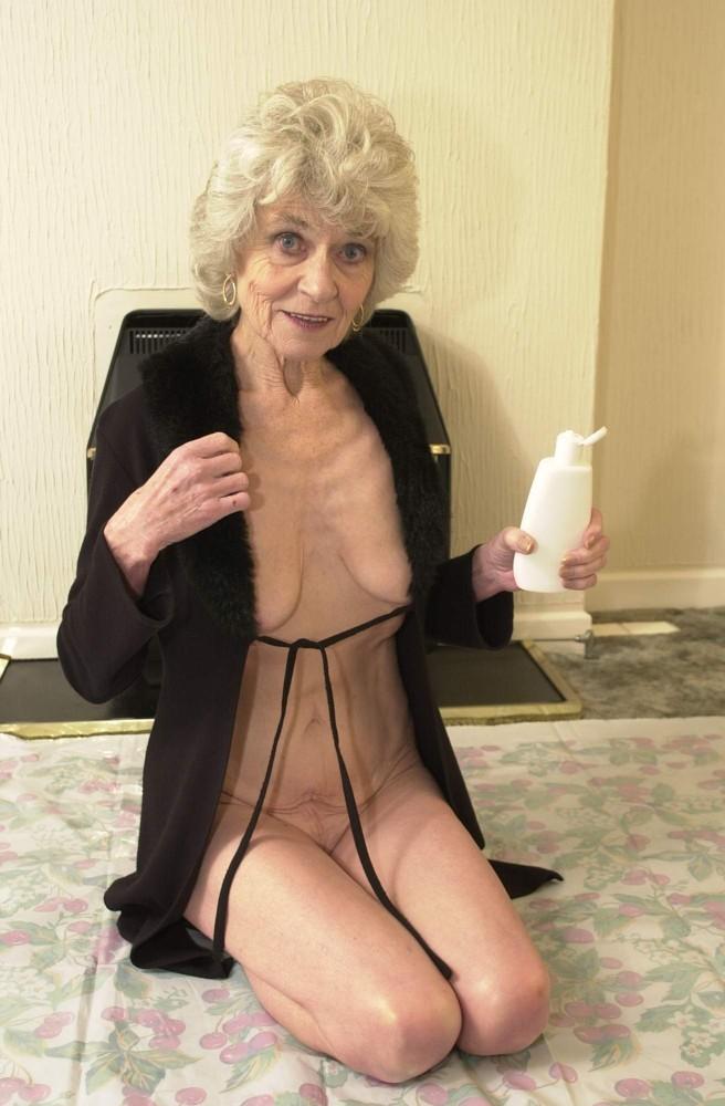 grandmas-next-door-nudes