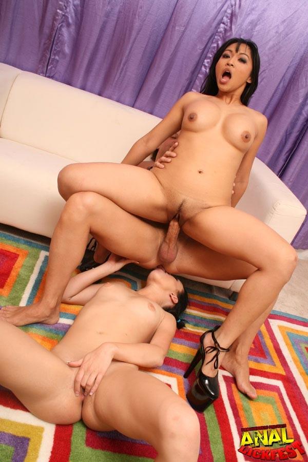 Ffm Anal Threesome Lick