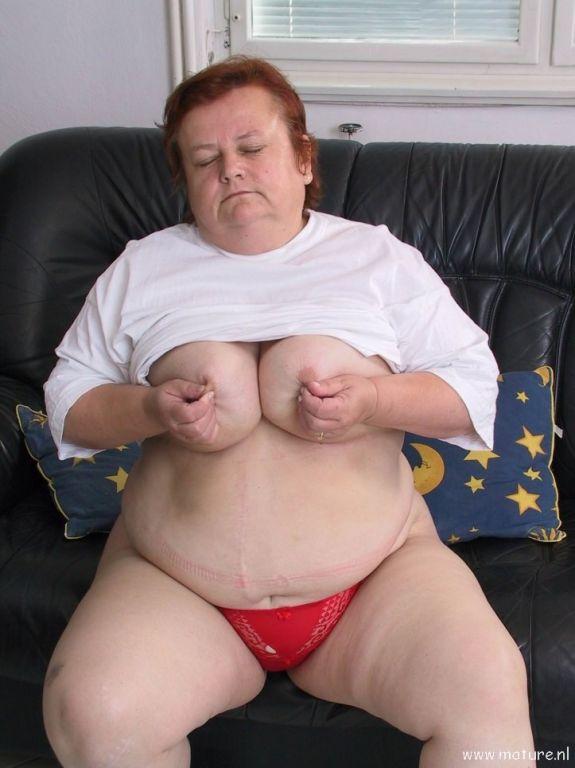 hot chubby arabic naked