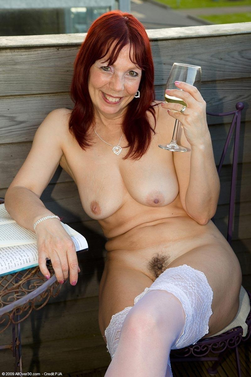 Amateur brunnette wife moaning huge cock