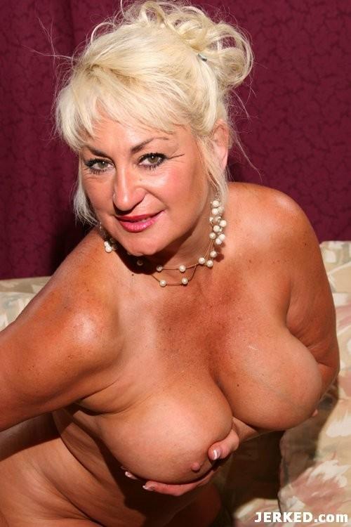 female pornstars nude mature