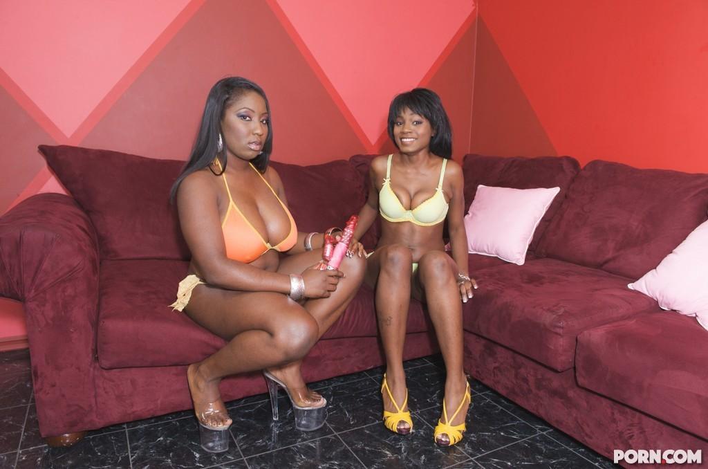 Black Lesbian Strap Anal