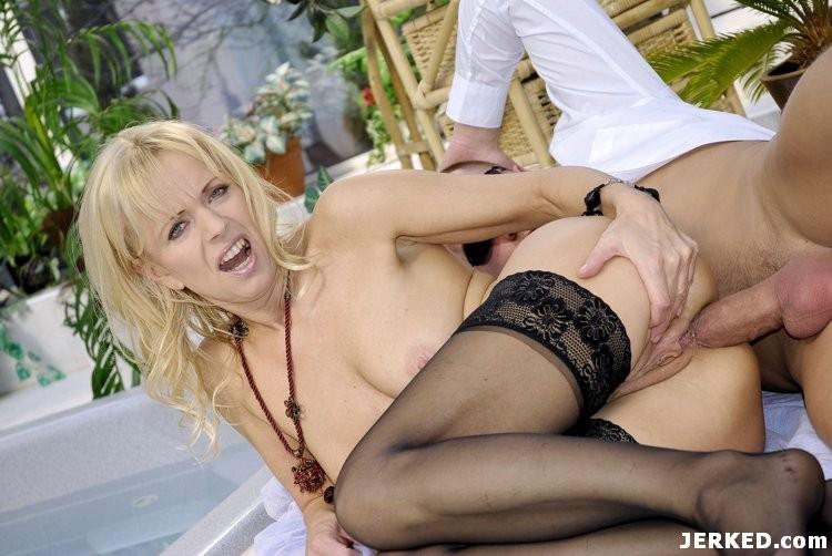Blonde Milf Anal Masturbation