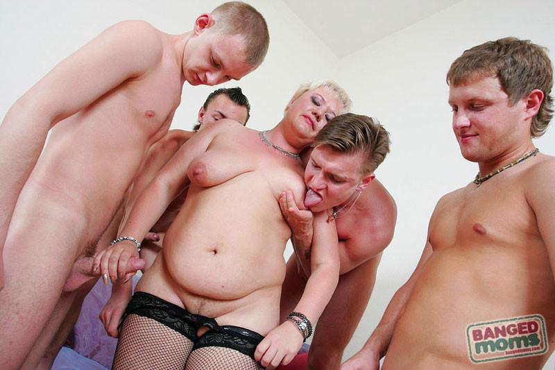 seks-gruppovoy-s-teshey