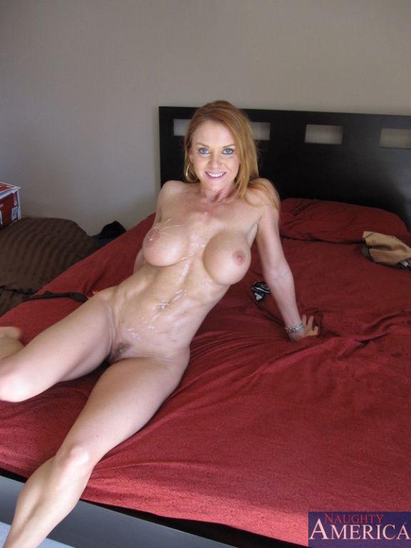 kareena topless video