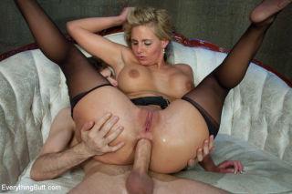 cumming on wifes cunt