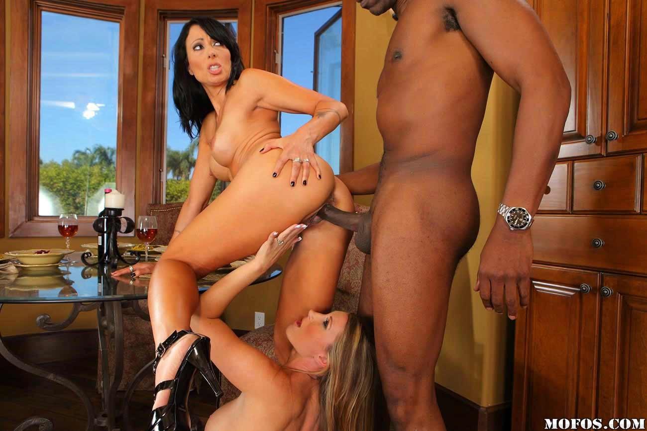 Latina Milf Bbc Threesome