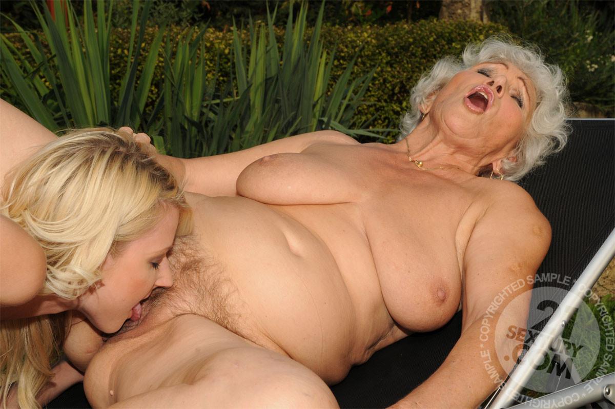 Bbw Lesbian Ass Licking Fart