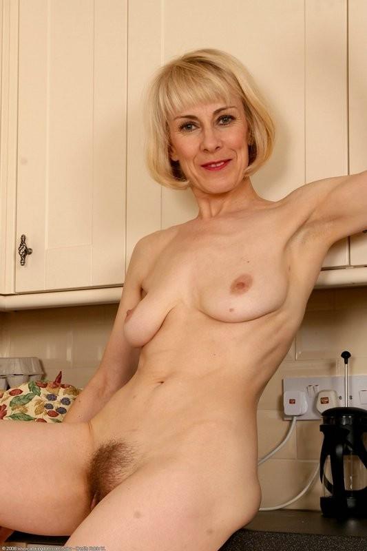 nude pics of loretta swit
