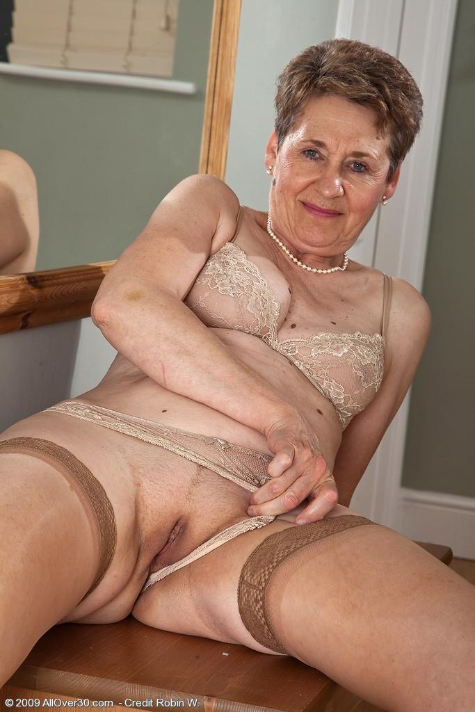 Old Woman Porno