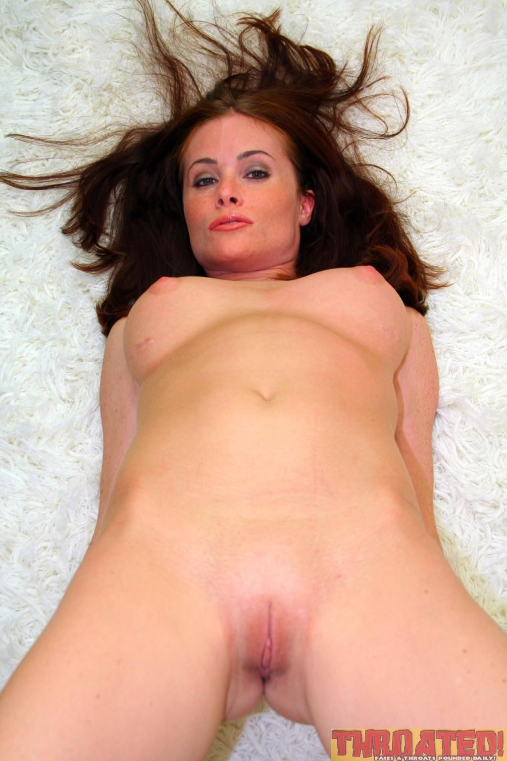 nude-ginger-lea