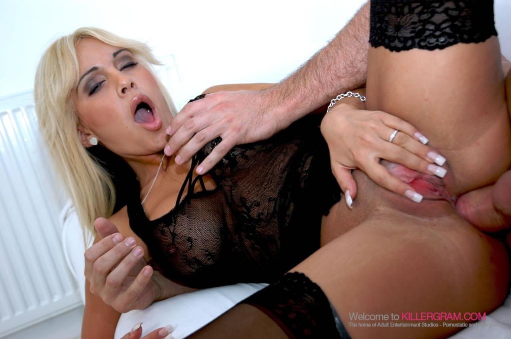 Lindsay lohan nude pussy fakes