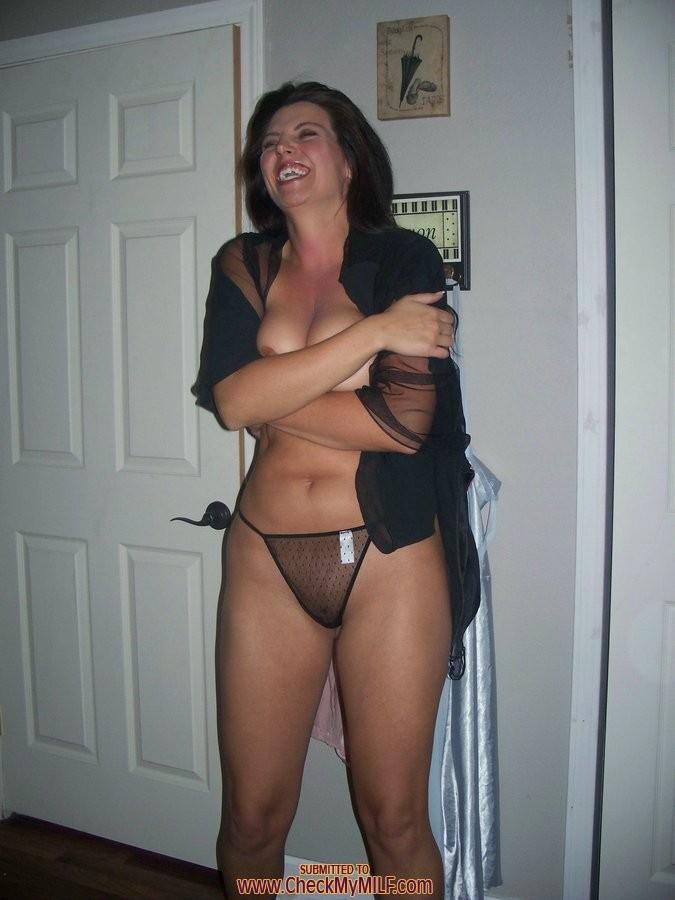 gorgeous amateur milf porn