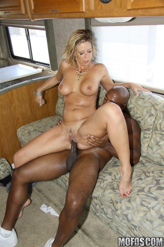 Interracial fuck porn