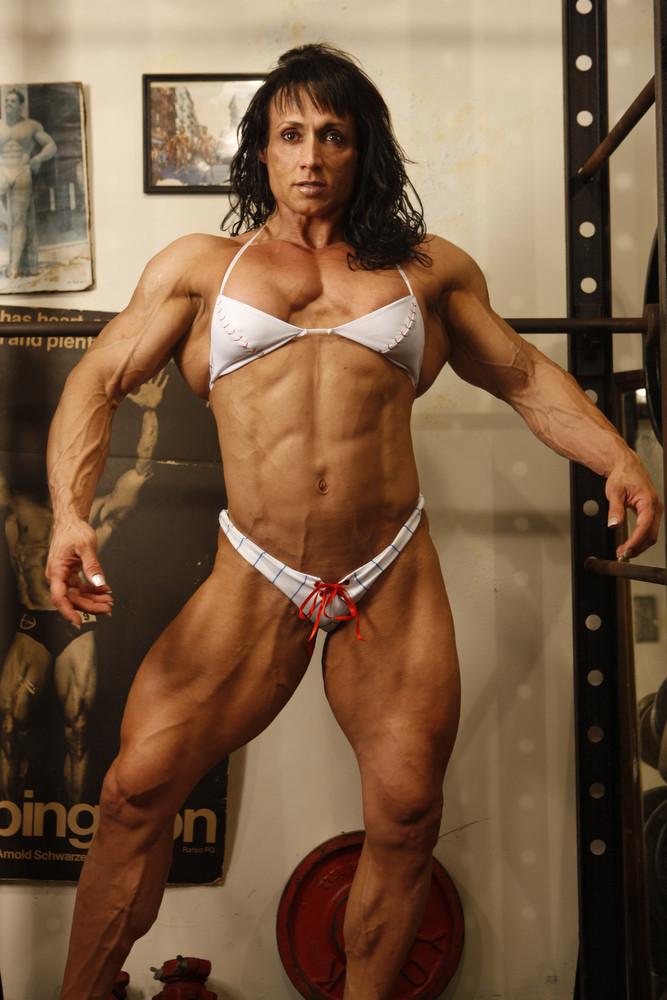 sexy schwarz weibliche bodybuilder lesben