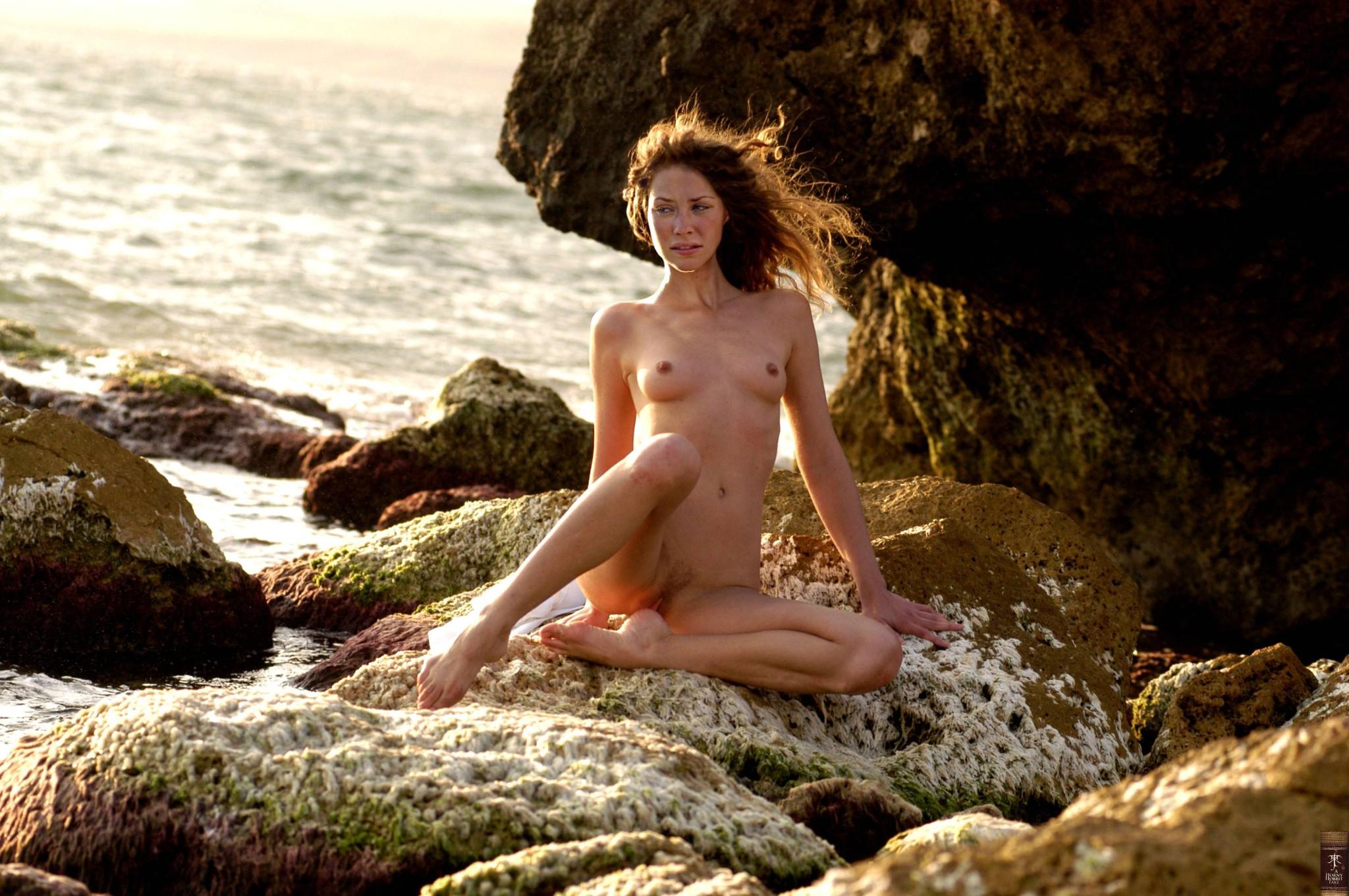 Evangeline Lilly Nude Pics