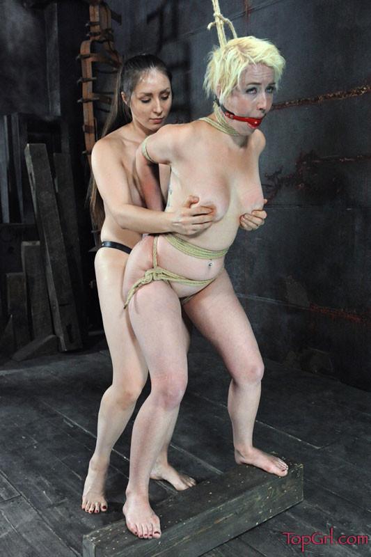 Wonder Woman Lesbian Bondage