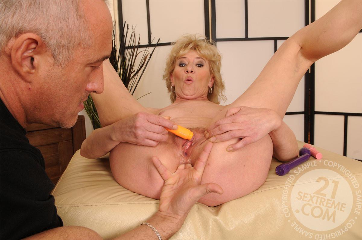 Granny porn fisting