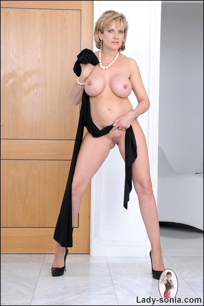 Naked ladies in high heels
