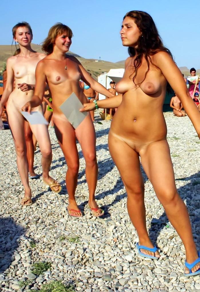 young girl nude play