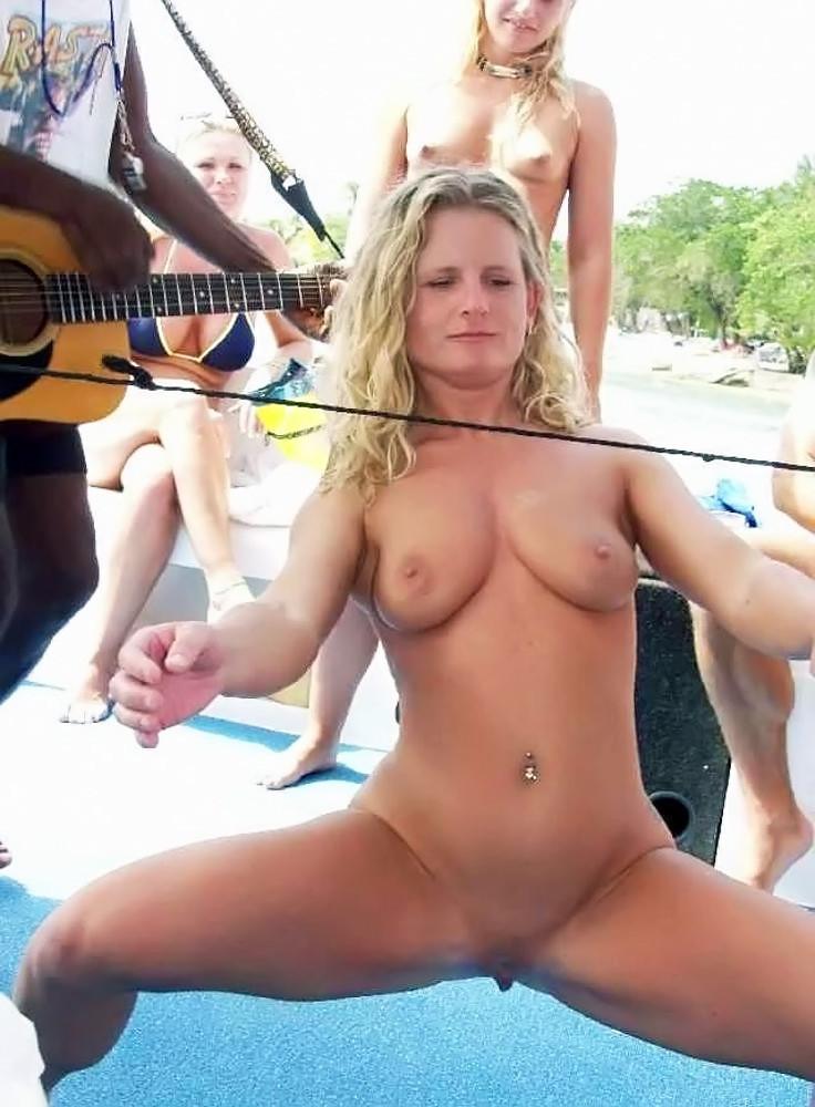 naked girls dancing together