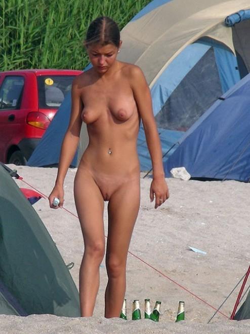 rachael harris nipples
