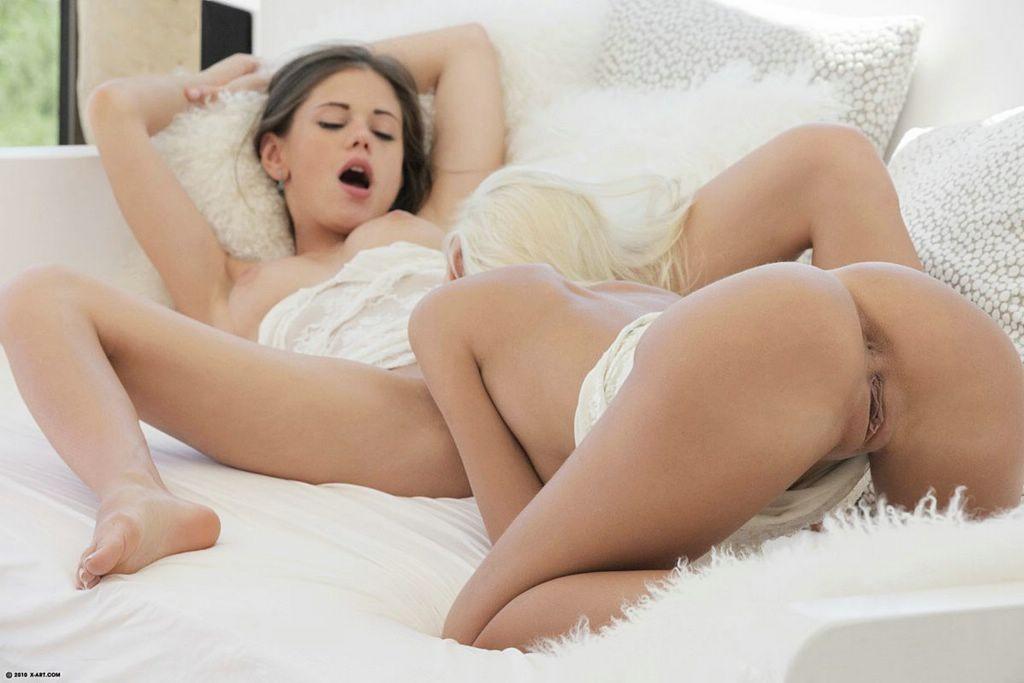 Alyssa milano pussy bathtub