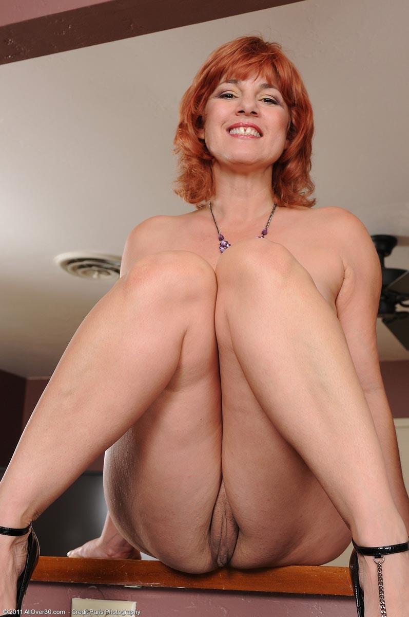 mature natural naked