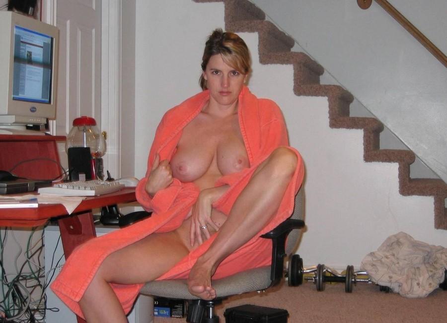 Amateur Teen Playing Big Tits
