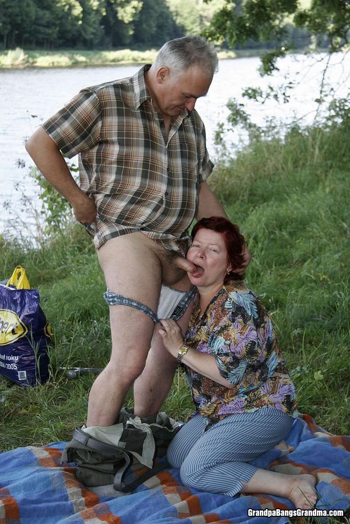 Mature Wife Kissing Fucking