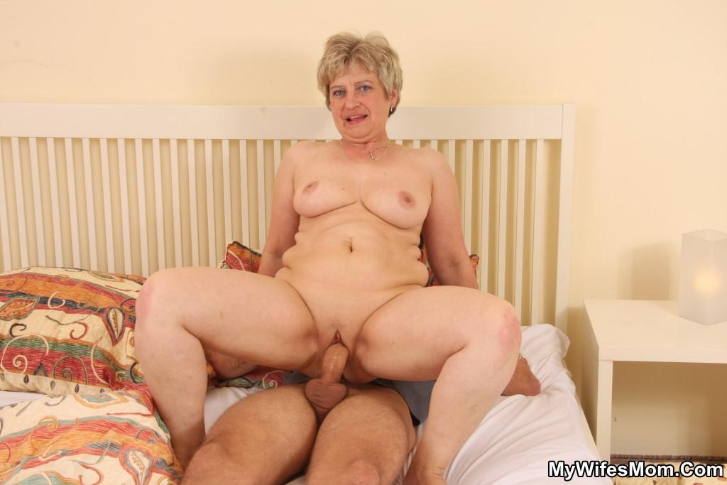 Son Fucks Mom While Stuck