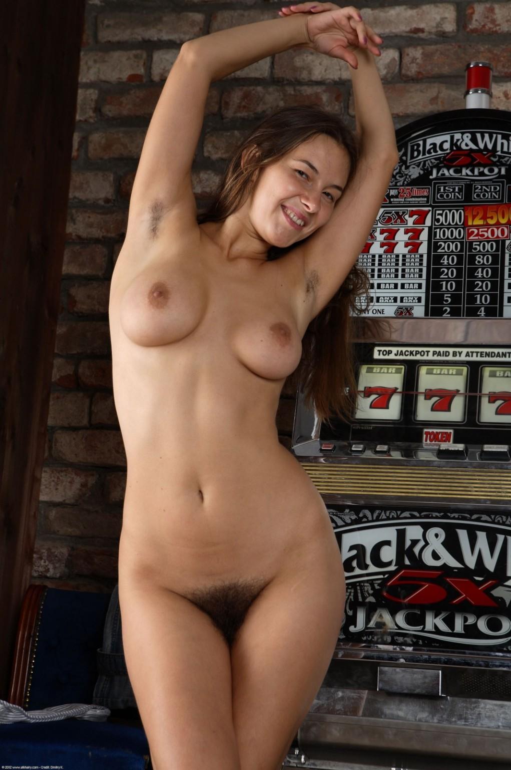 naked women curvy bush amateur