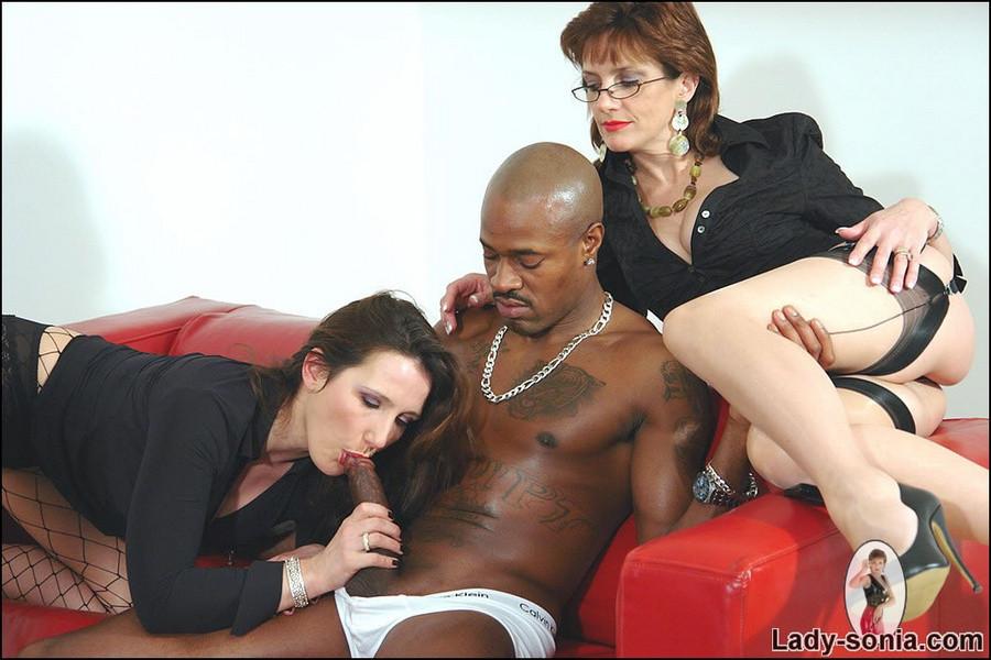Sucking Big Black Shemale Cock